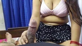 भाबी ने मेरा लंड चूसा