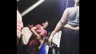 Hot recording dance with Such a hot body and tight pussy